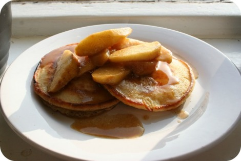 pancakes with caramelised apple