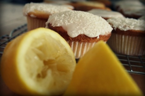 lemon and coconut cupcakes