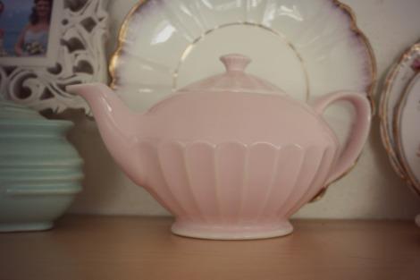 Sadler pastel pink teapot