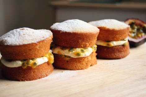 Mini Victoria Sponges with Passionfruit Filling | Bluebirdsunshine