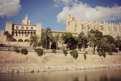Palma Cathedral from water | bluebirdsunshine