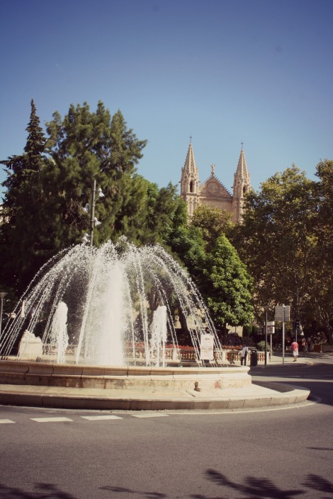 Fountain in Palma | bluebirdsunshine