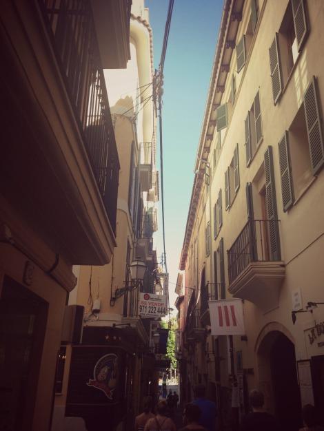 Palma Old Town Alleys | bluebirdsunshine