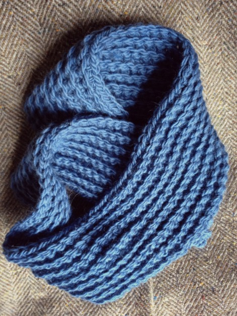 denim blue crocheted cowl | bluebirdsunshine
