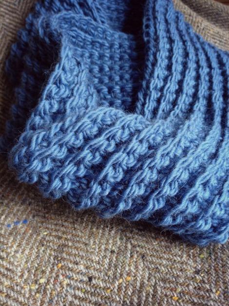 denim blue crocheted cowl | bluebirdsunshine