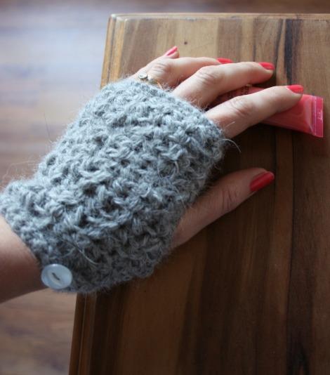crochet hand warmers | bluebirdsunshine