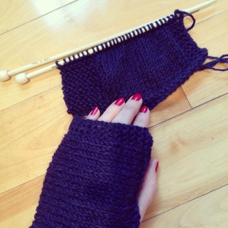 Knitted handwarmer WIP | bluebirdsunshine