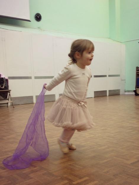 girl doing ballet | bluebirdsunshine
