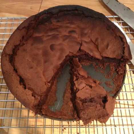 Burnt flourless chocolate cake | bluebirdsunshine