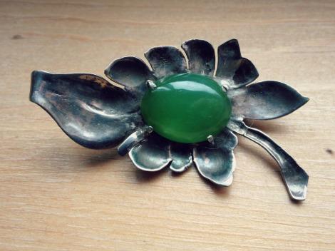 jade silver brooch | bluebirdsunshine