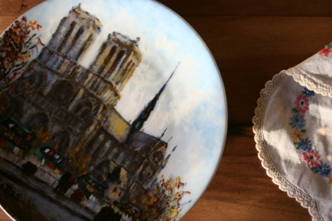 Vintage Notre Dame plate | bluebirdsunshine