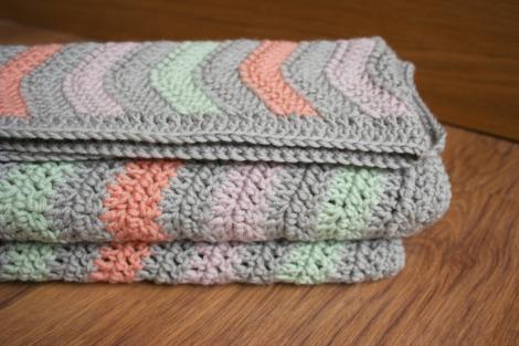 Coral Ripple Blanket | Bluebirdsunshine
