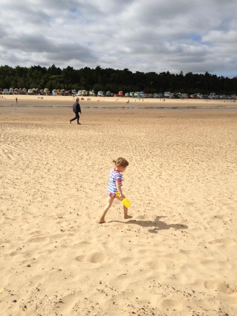 Girl on beach | bluebirdsunshine