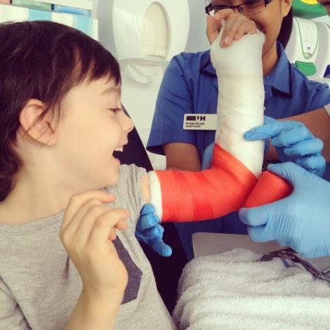 Red arm cast | bluebirdsunshine